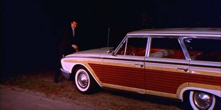 1960 Ford Country Squire 9-Passenger Station Wagon [71G]