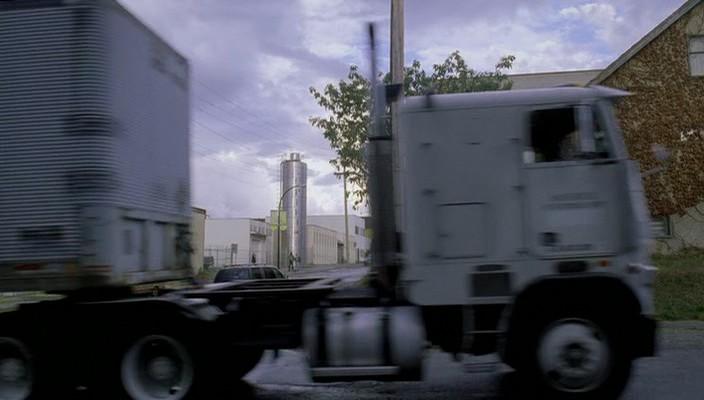 IMCDb org: Freightliner FLT in