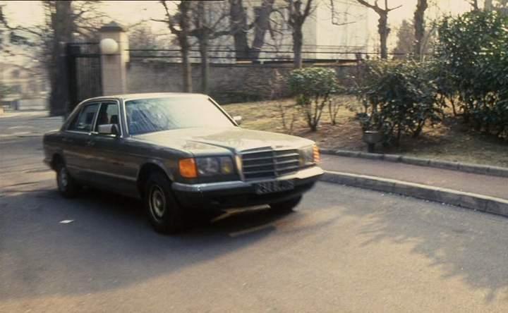 1980 mercedes benz 280 se w126 in le couteau. Black Bedroom Furniture Sets. Home Design Ideas