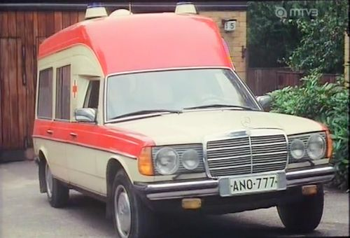 Mercedes-Benz Binz Ambulance 2000 [W123]