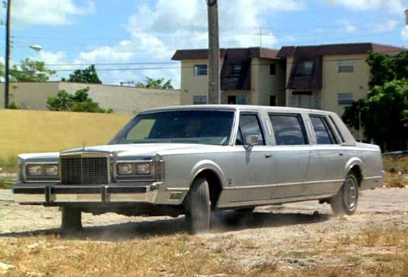 Imcdb Org 1985 Lincoln Town Car Stretched Limousine In Miami Vice