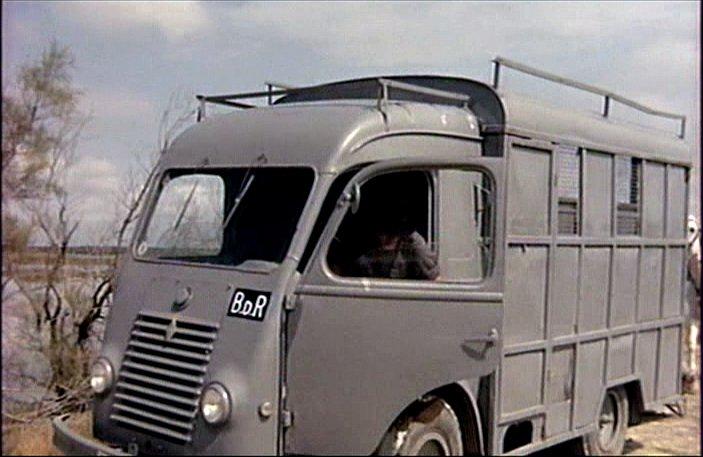 1956 renault 1000 kg chassis cabine r2065 in heureux qui comme ulysse 1970. Black Bedroom Furniture Sets. Home Design Ideas