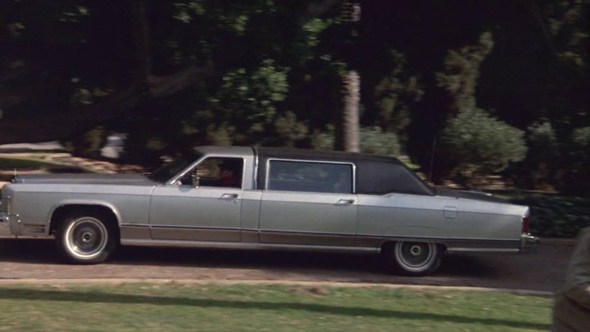 IMCDb org: 1977 Lincoln Continental Stretched Limousine