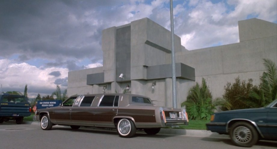 Cadillac Fleetwood Brougham Stretched Limousine