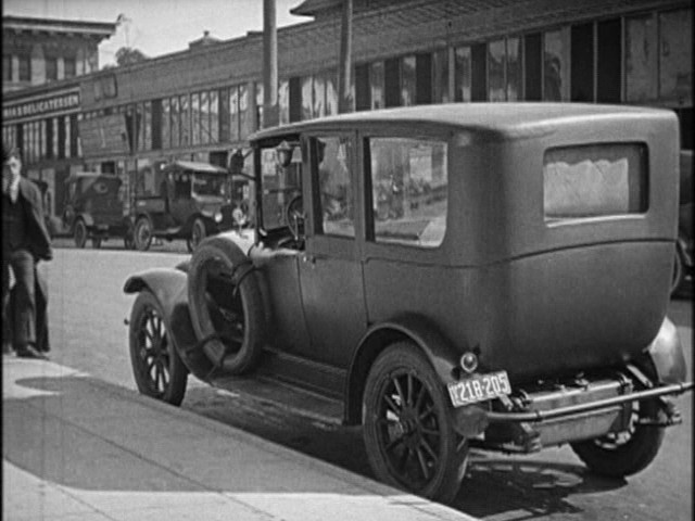 1917 hudson super six town car in high and dizzy 1920. Black Bedroom Furniture Sets. Home Design Ideas