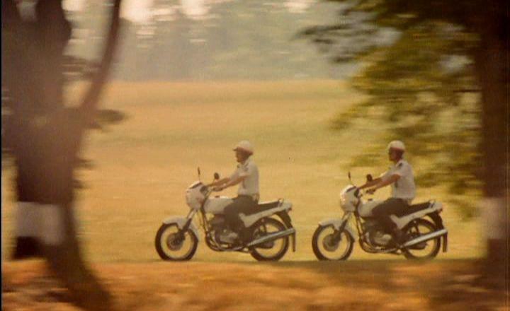 """The Movie Roman J Israel >> IMCDb.org: 1991 Jawa 350 Sport [Typ 640] in """"Jizda, 1994"""""""