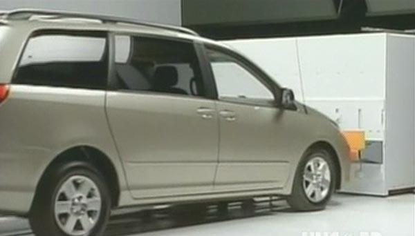 Toyota Sienna Club - Лысый нянька: Спецзадание