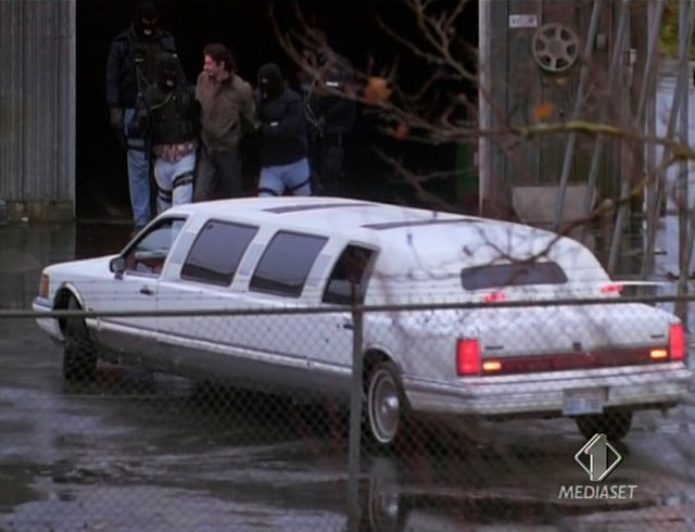 Imcdb Org 1990 Lincoln Town Car Stretched Limousine In The