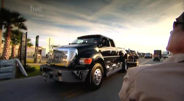 2004 Ford F-650 Super Duty Crew Cab