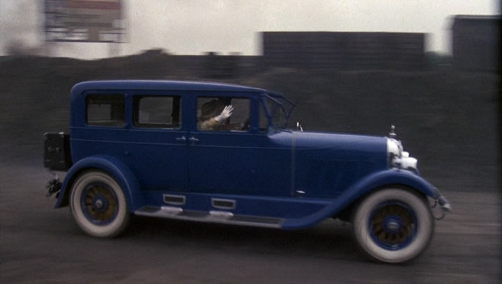"""Club Car Auburn >> IMCDb.org: 1927 Auburn 8-88 in """"The Great Gatsby, 1974"""""""