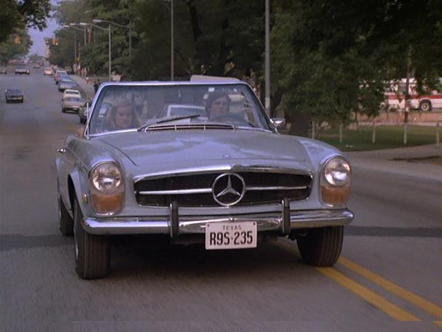 "IMCDb.org: 1970 Mercedes-Benz 280 SL [W113] In ""Breaking"