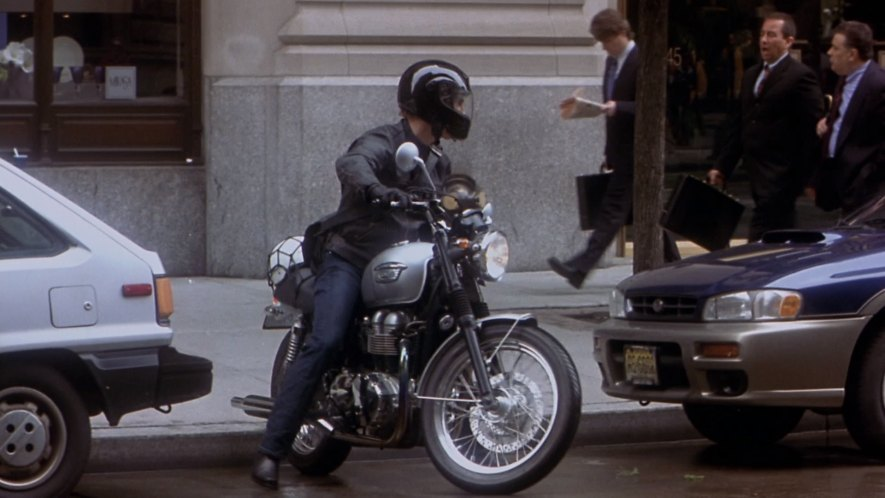 Imcdb Org 2003 Triumph Bonneville In How To Lose A Guy In 10 Days 2003