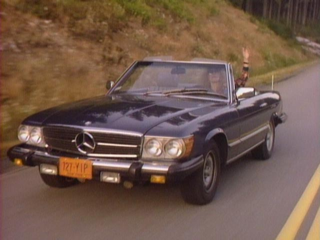 1980 mercedes benz sl r107 in the hitchhiker 1983 1991. Black Bedroom Furniture Sets. Home Design Ideas