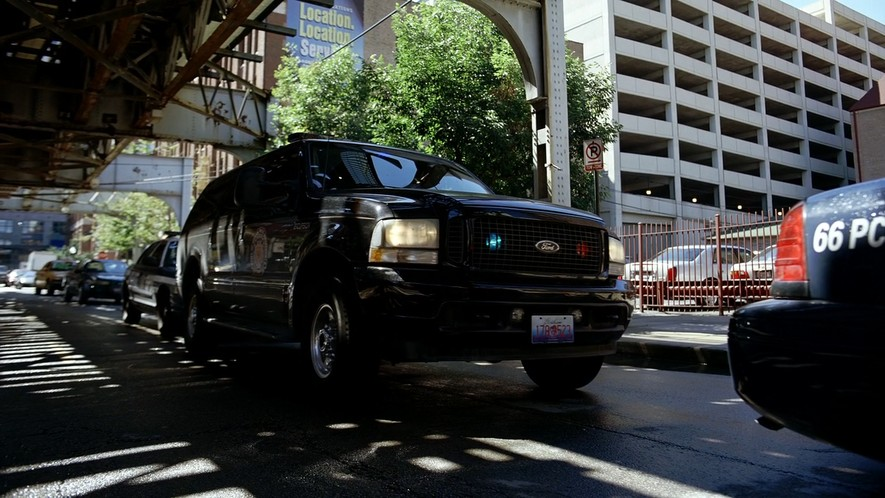 """Used Cars By Owner >> IMCDb.org: 2003 Ford Excursion Limited [UW137] in """"The Dark Knight, 2008"""""""