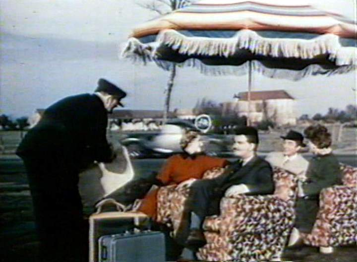1935 citro n 11 faux cabriolet 3 5 places 39 traction 39 in la nationale 7 40 ans apr s. Black Bedroom Furniture Sets. Home Design Ideas