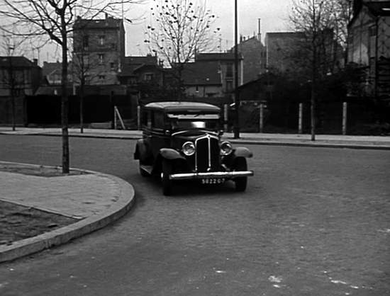 1933 renault taxi g7 type kz11 in monsieur leguignon lampiste 1952. Black Bedroom Furniture Sets. Home Design Ideas