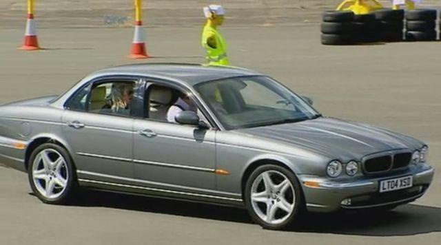 IMCDb.org: 2004 Jaguar XJ8 3.5 SE [X350] in