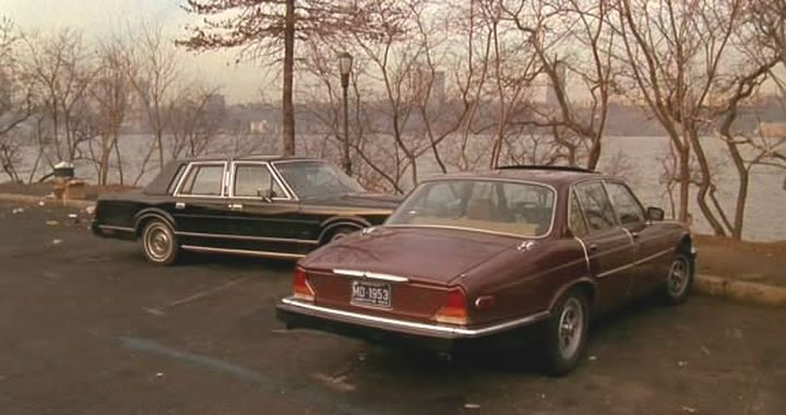 Imcdb Org 1985 Lincoln Town Car Signature Series In Crimes And