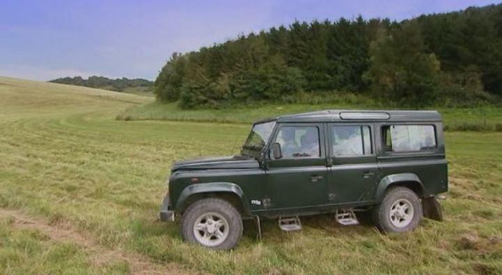 2001 land rover defender 110 station wagon td5 in oz james drink to britain 2009. Black Bedroom Furniture Sets. Home Design Ideas
