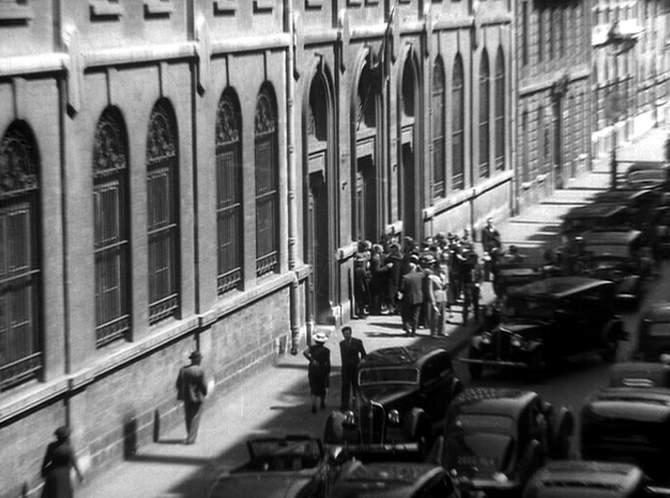 1933 renault taxi g7 type kz11 in entr e des for Garage des taxis g7