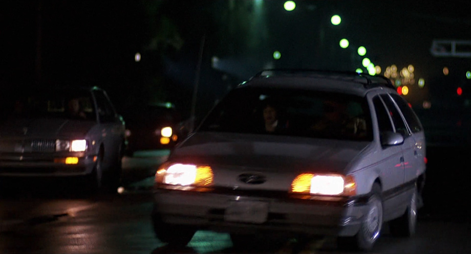 1986 ford taurus lx wagon in howard the duck. Black Bedroom Furniture Sets. Home Design Ideas