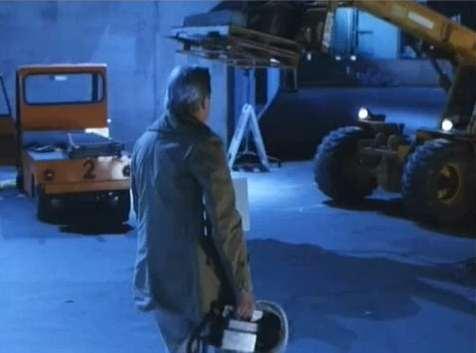 "IMCDb.org: Taylor-Dunn Burdenmaster in ""Carnosaur 2, 1995"""