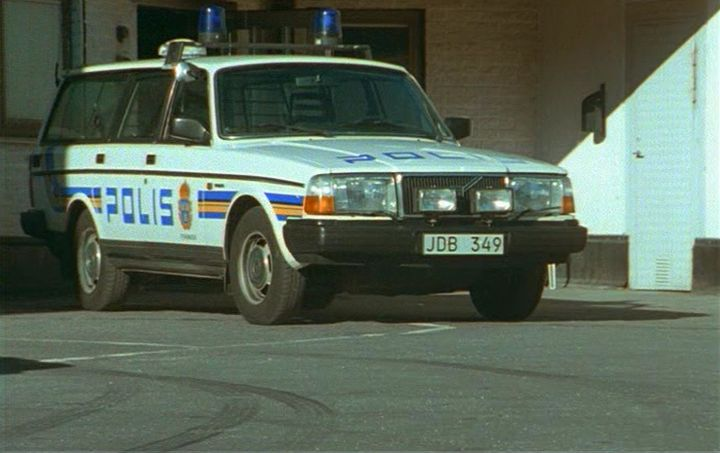 """IMCDb.org: 1986 Volvo 240 [245] in """"Polisen och pyromanen, 1996"""""""