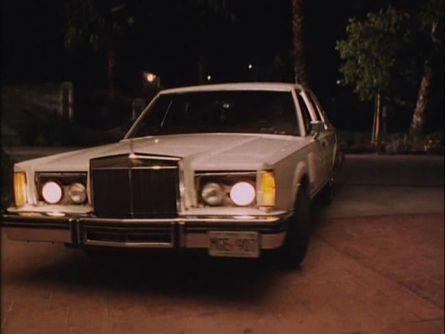 1980 lincoln continental mark vi in fit to kill 1993. Black Bedroom Furniture Sets. Home Design Ideas