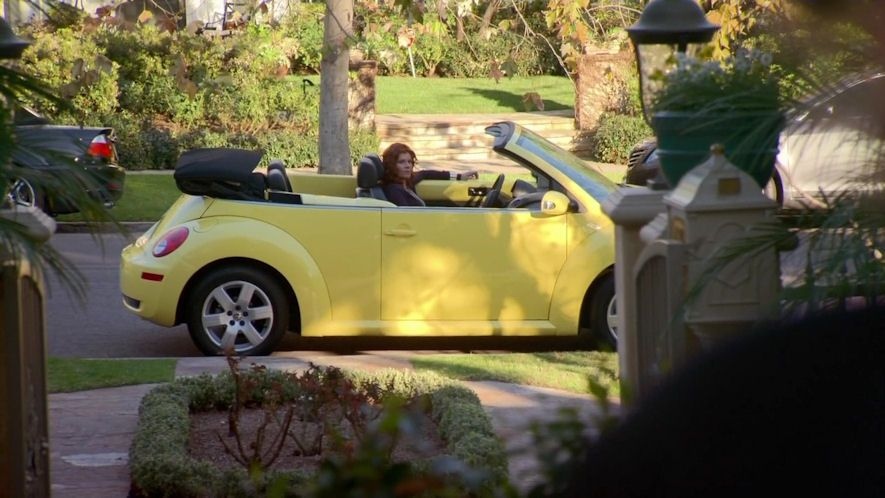 Imcdb Org 2007 Volkswagen New Beetle Convertible Typ 1y In Curb Your Enthusiasm 2000 2017