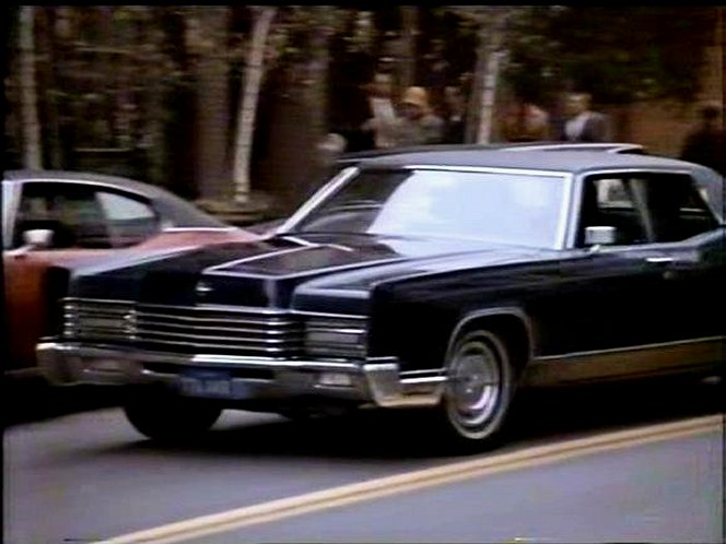 1970 lincoln continental in mcmillan wife. Black Bedroom Furniture Sets. Home Design Ideas