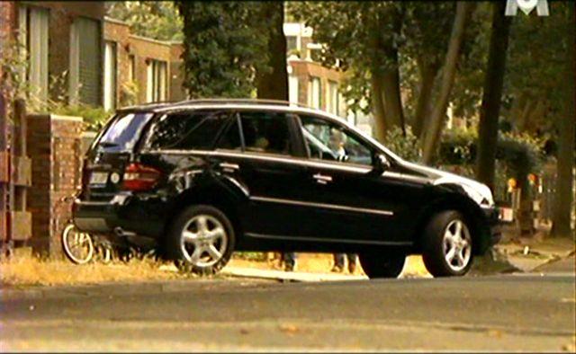Imcdb Org Mercedes Benz Ml 320 Cdi W164 In Putzfrau Undercover