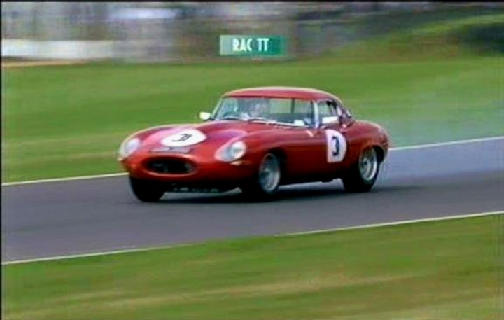IMCDb.org: 1961 Jaguar E-Type 3.8 litre Series I in