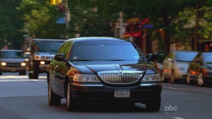 Imcdb Org 2003 Lincoln Town Car In Ugly Betty 2006 2010