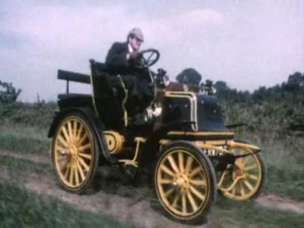 IMCDb org: 1900 Daimler Two Seater with Dickie in