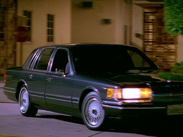 1993 lincoln town car in the rockford files a. Black Bedroom Furniture Sets. Home Design Ideas