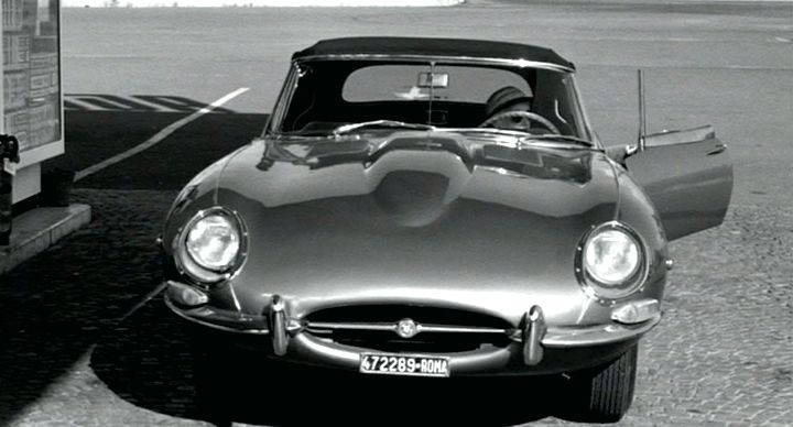 IMCDb.org: 1961 Jaguar E-Type 3.8 litre Roadster Series I in