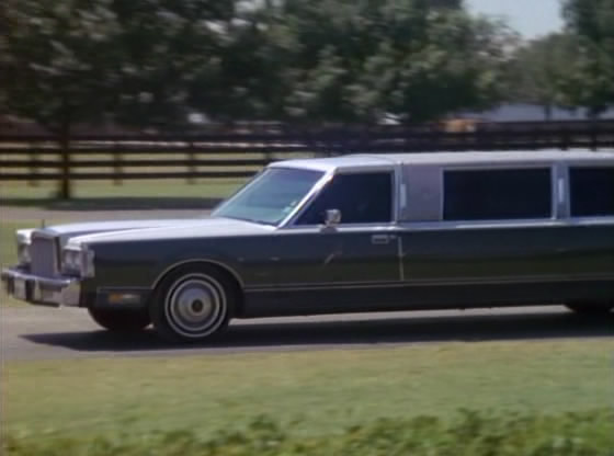 Imcdb Org 1985 Lincoln Town Car Stretched Limousine In Dallas