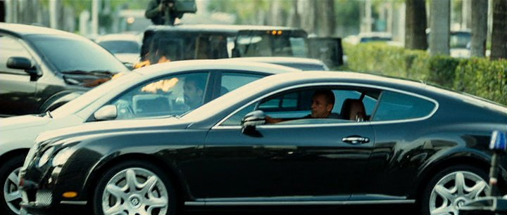 """imcdb: 2004 bentley continental gt in """"the losers, 2010"""""""