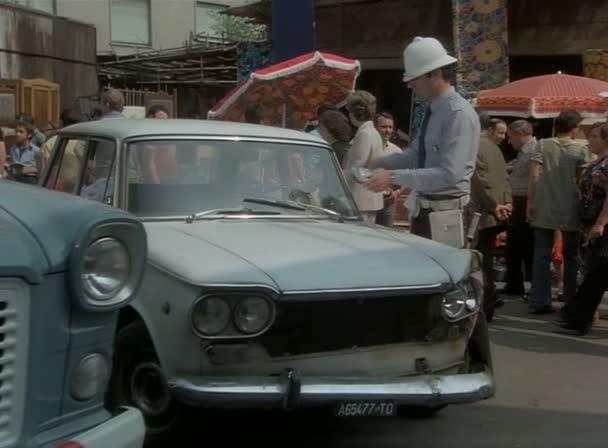 Imcdb 1961 Fiat 1500 115 In La Donna Della Domenica 1975