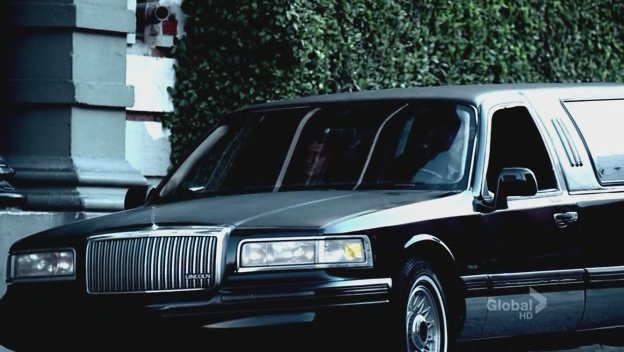 Imcdb Org 1995 Lincoln Town Car Stretched Limousine In Prison