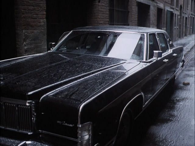1975 lincoln continental town car in the rockford files 1974 1980. Black Bedroom Furniture Sets. Home Design Ideas