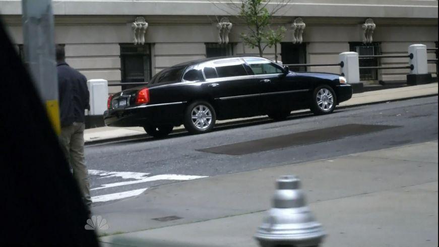 2006 Lincoln Town Car L
