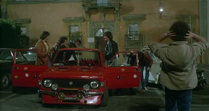 """Fiat Used Cars >> IMCDb.org: 1973 Fiat 128 Rally 1300 2a serie [128AR] in """"Fico d'India, 1980"""""""