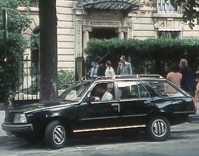 1982 renault 18 break s rie 1 x34 in les enqu tes du commissaire maigret 1967 1990. Black Bedroom Furniture Sets. Home Design Ideas