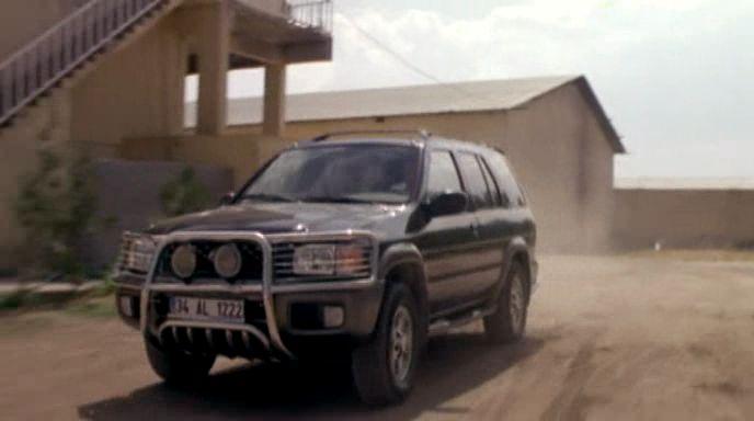 IMCDb org: 2000 Nissan Pathfinder [R50] in