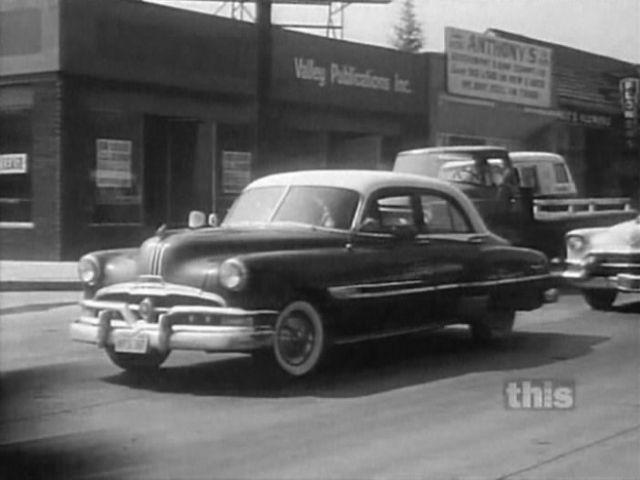 1952 pontiac chieftain de luxe four door sedan for 1955 pontiac chieftain 4 door