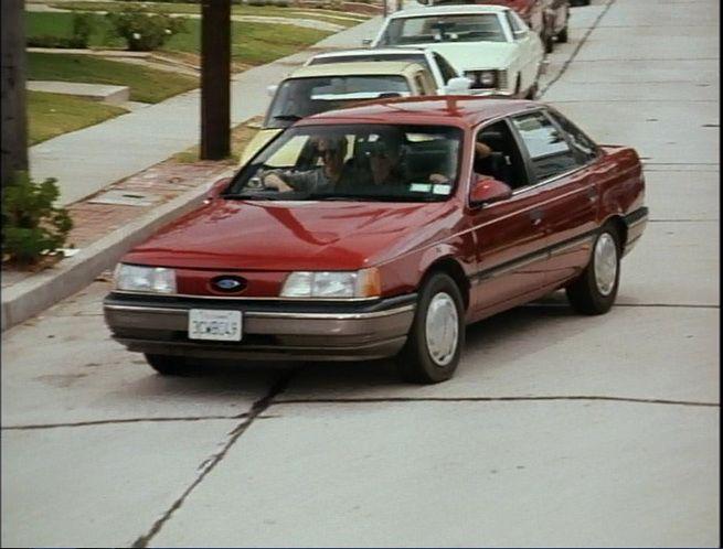 1990 ford sedan