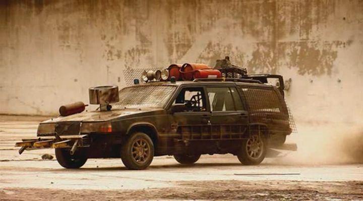 "IMCDb.org: Volvo 940 [945] in ""Top Gear: Apocalypse, 2010"""
