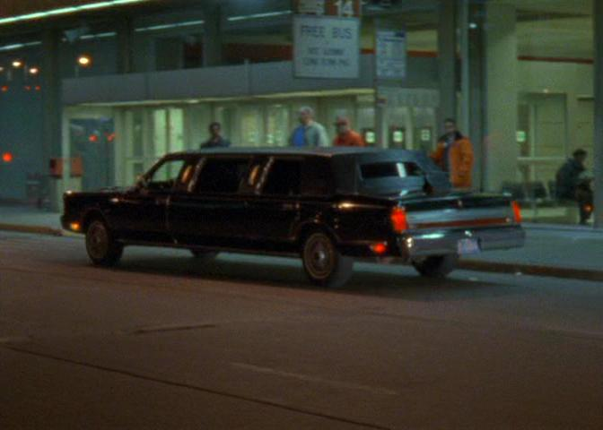 Imcdb Org 1988 Lincoln Town Car Stretched Limousine In Seinfeld