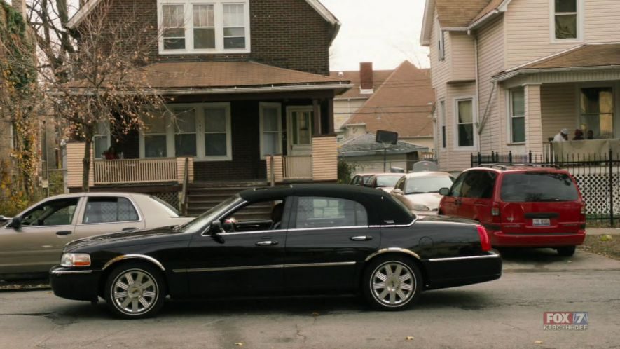 Imcdb Org 2005 Lincoln Town Car Signature Limited In The Chicago
